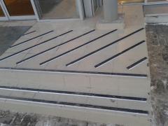Профиль плоский/угловой для ступеней, порогов с резин. вставкой